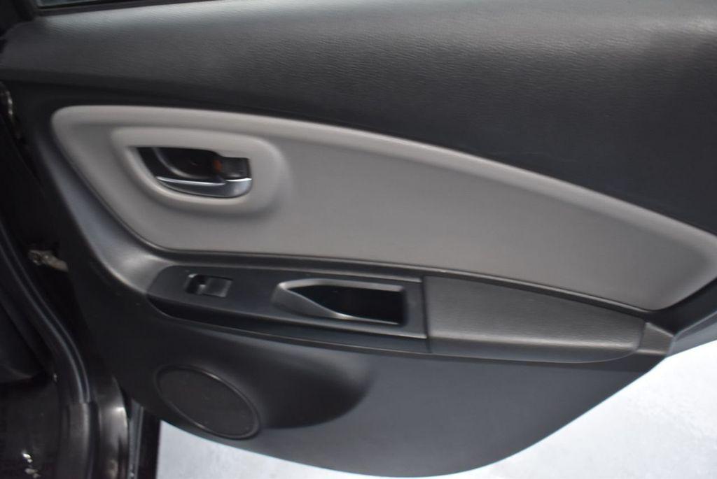 2015 Toyota Yaris 3dr Liftback Automatic L - 18336082 - 22