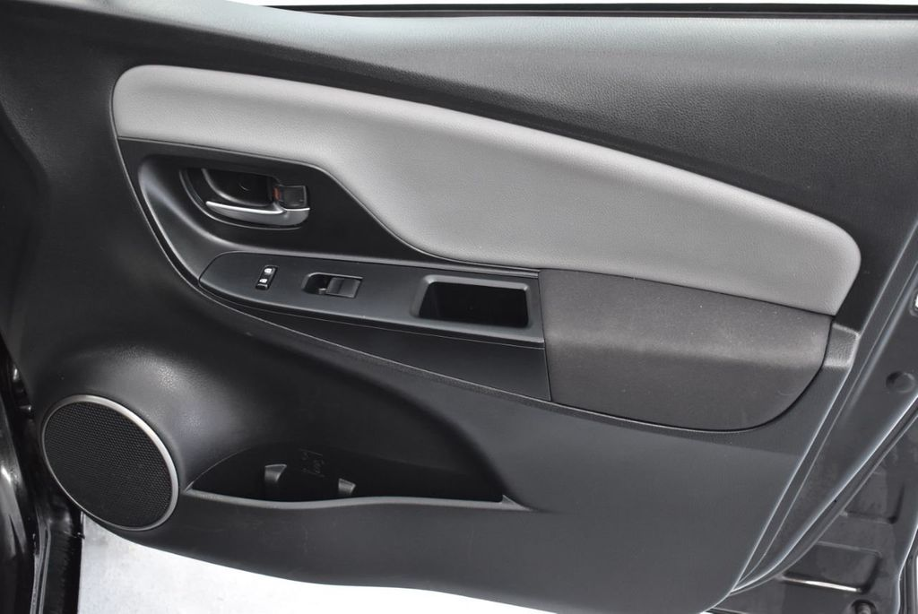 2015 Toyota Yaris 3dr Liftback Automatic L - 18336082 - 23