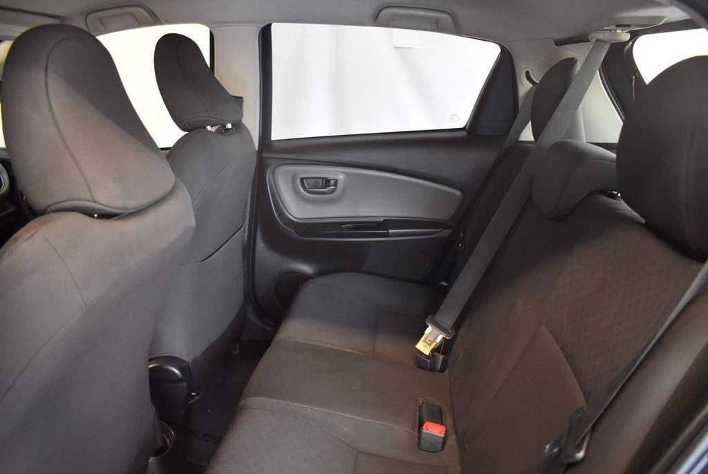 2015 Toyota Yaris 5dr Liftback Automatic LE - 18218718 - 12