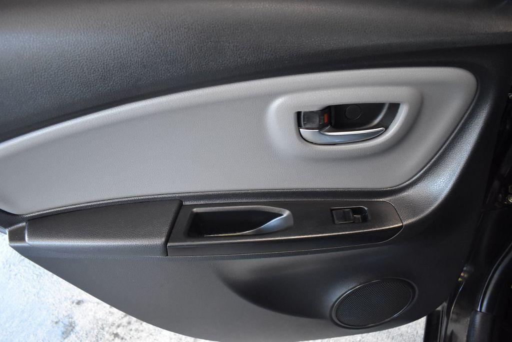 2015 Toyota Yaris 5dr Liftback Automatic LE - 18218718 - 13
