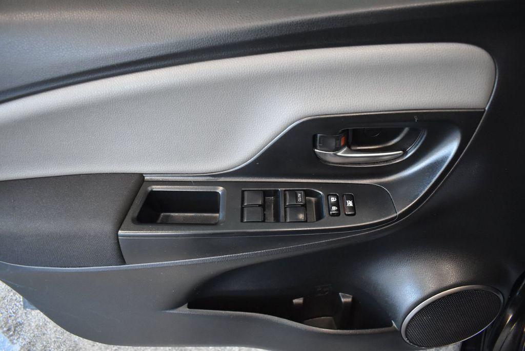 2015 Toyota Yaris 5dr Liftback Automatic LE - 18218718 - 15