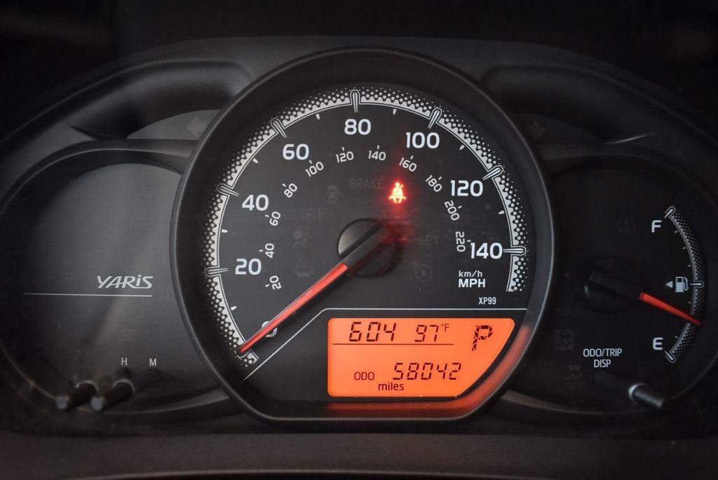 2015 Toyota Yaris 5dr Liftback Automatic LE - 18218718 - 16