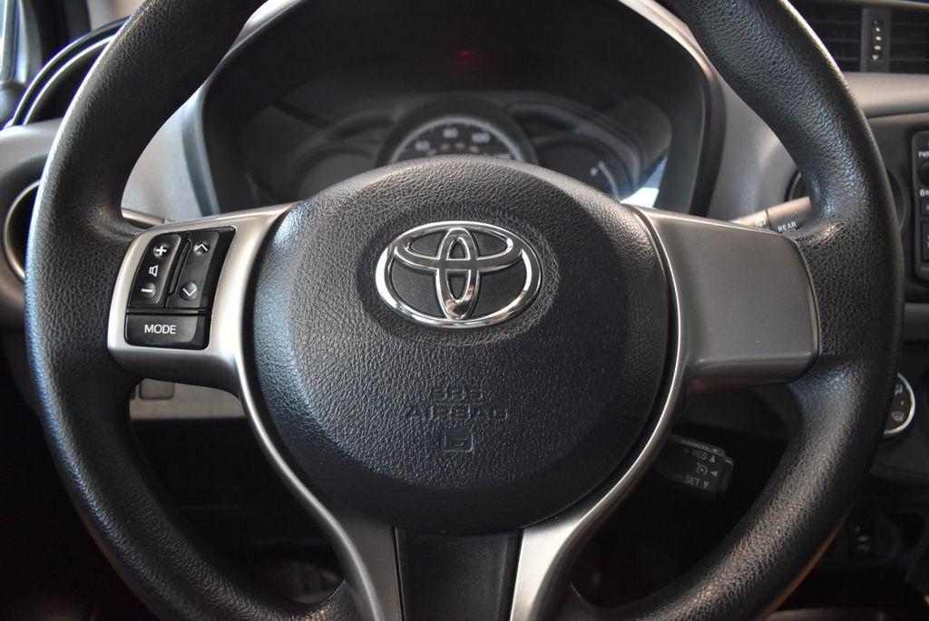 2015 Toyota Yaris 5dr Liftback Automatic LE - 18218718 - 17