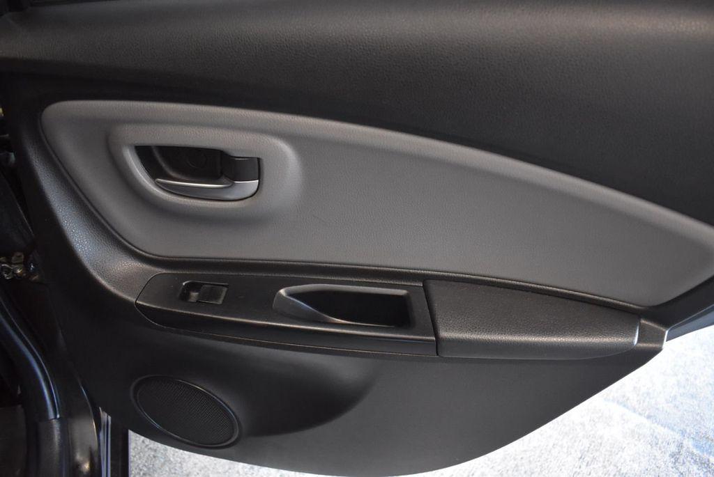 2015 Toyota Yaris 5dr Liftback Automatic LE - 18218718 - 22