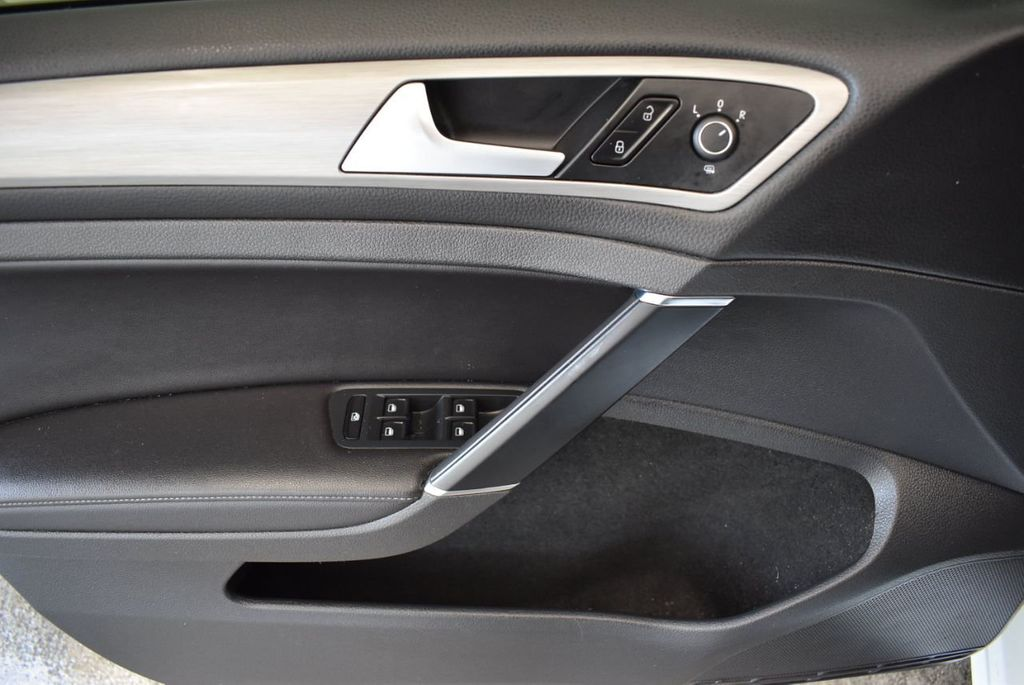 2015 Volkswagen GOLF TSI S - 18144638 - 11