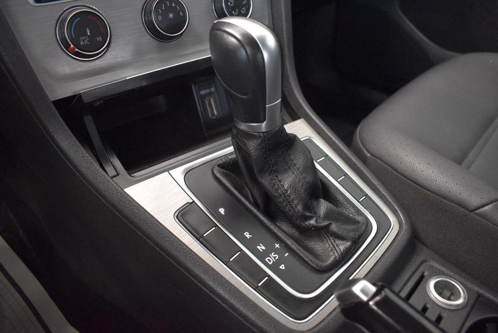 2015 Volkswagen GOLF TSI S - 18144638 - 17