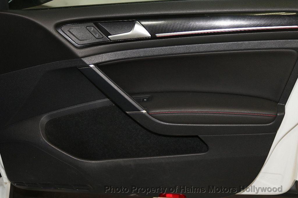 2015 Volkswagen Golf GTI  - 17729717 - 11