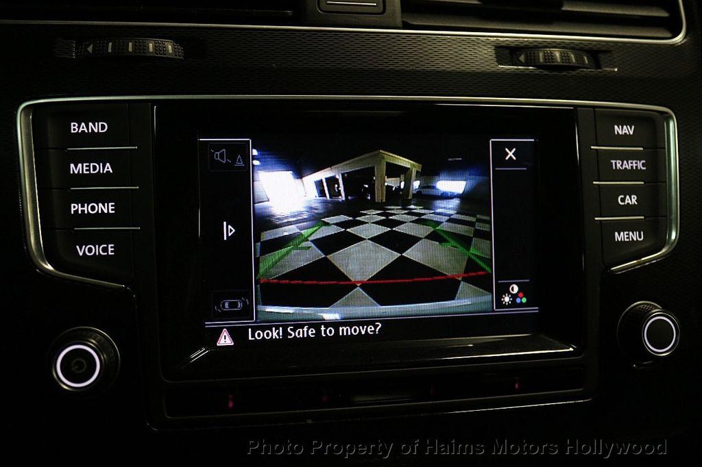 2015 Volkswagen Golf GTI  - 17729717 - 31