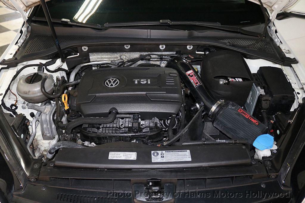 2015 Volkswagen Golf GTI SE - 18279103 - 31