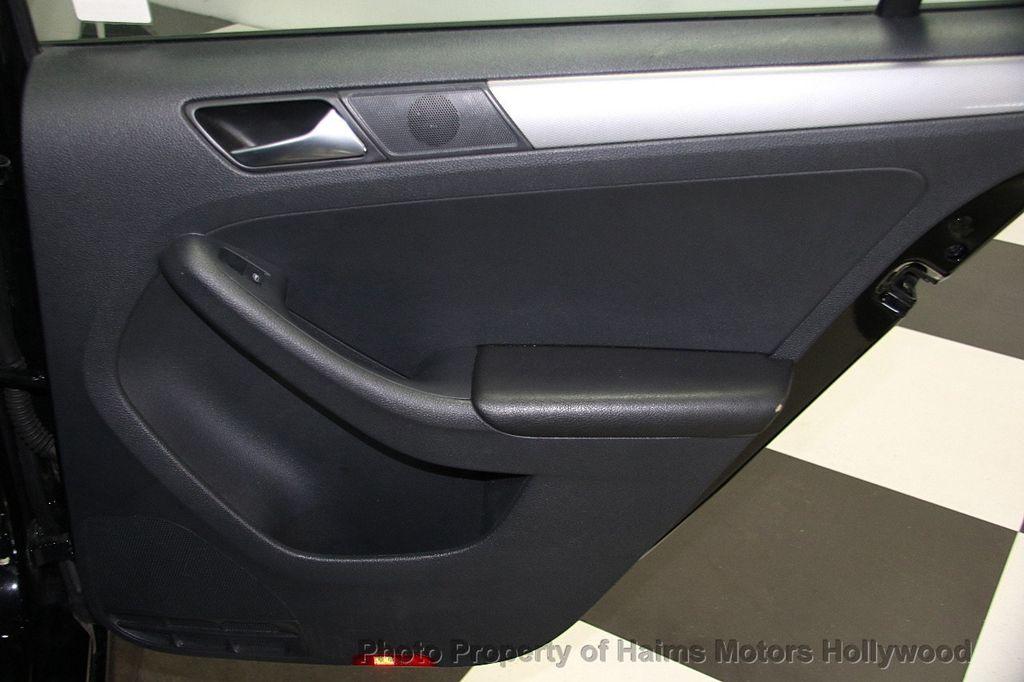 2015 Volkswagen Jetta Sedan  - 17441613 - 12