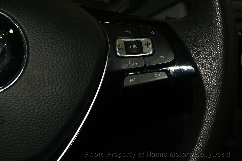 2015 Volkswagen Jetta Sedan  - 17441613 - 25