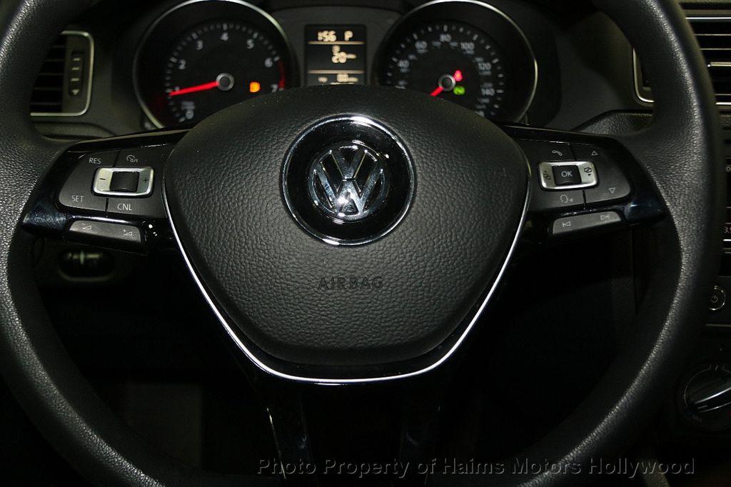 2015 Volkswagen Jetta Sedan  - 17441613 - 26