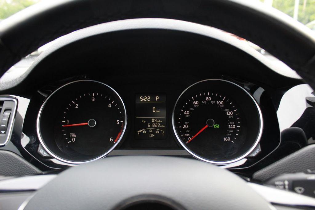 2015 Volkswagen Jetta Sedan 4dr DSG 2.0L TDI SEL - 18066674 - 32