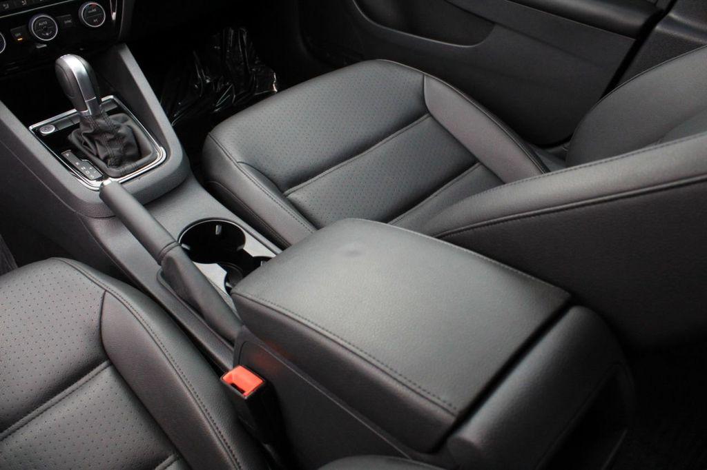2015 Volkswagen Jetta Sedan 4dr DSG 2.0L TDI SEL - 18066674 - 33