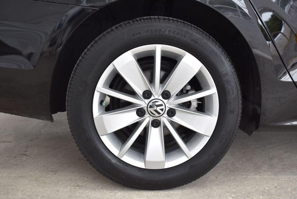 2015 Volkswagen Jetta Sedan SE - 18359535 - 9