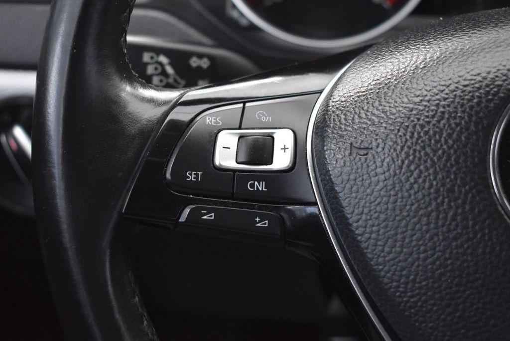 2015 Volkswagen Jetta Sedan SE - 18359535 - 19