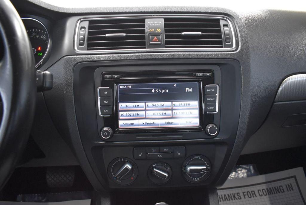 2015 Volkswagen Jetta Sedan SE - 18359535 - 20