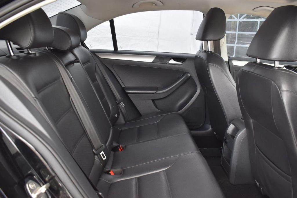 2015 Volkswagen Jetta Sedan SE - 18359535 - 22
