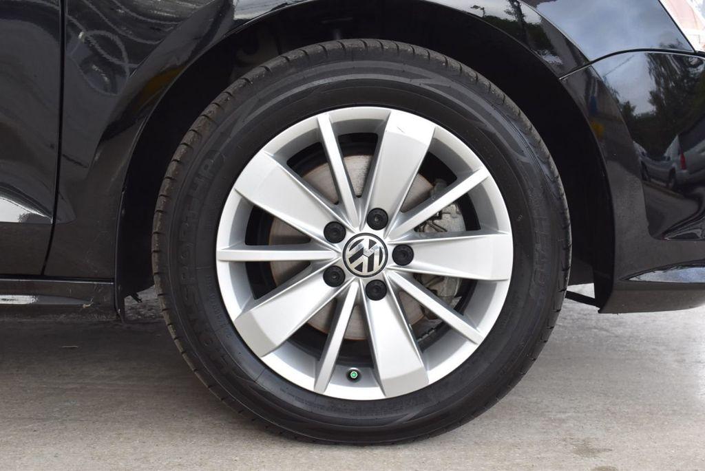 2015 Volkswagen Jetta Sedan SE - 18359535 - 8