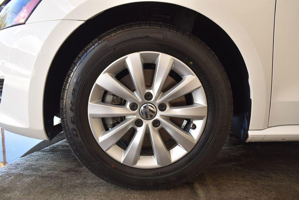 2015 Volkswagen Passat 1.8T S - 18194286 - 10