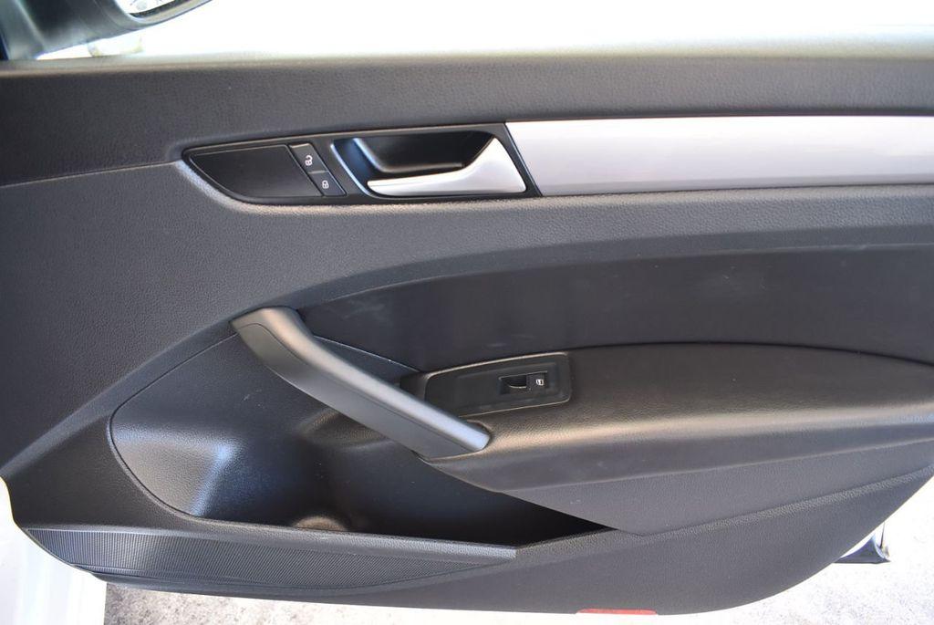 2015 Volkswagen Passat 1.8T S - 18194286 - 22