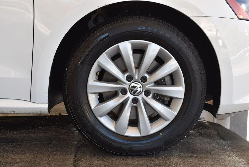 2015 Volkswagen Passat 1.8T S - 18194286 - 8