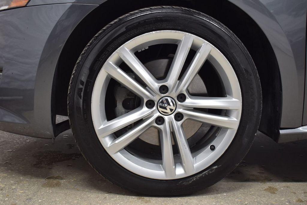 2015 Volkswagen Passat 1.8T SPORT - 18387278 - 9