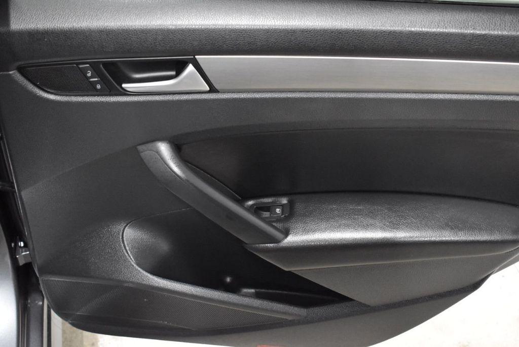 2015 Volkswagen Passat 1.8T SPORT - 18387278 - 15