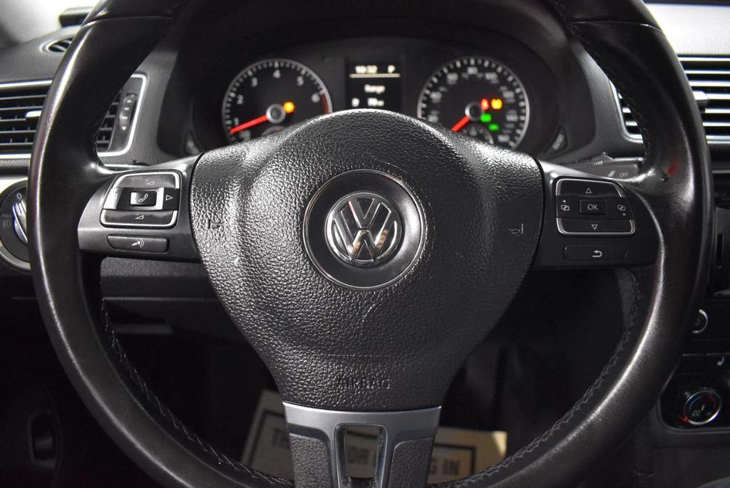 2015 Volkswagen Passat 1.8T SPORT - 18387278 - 19