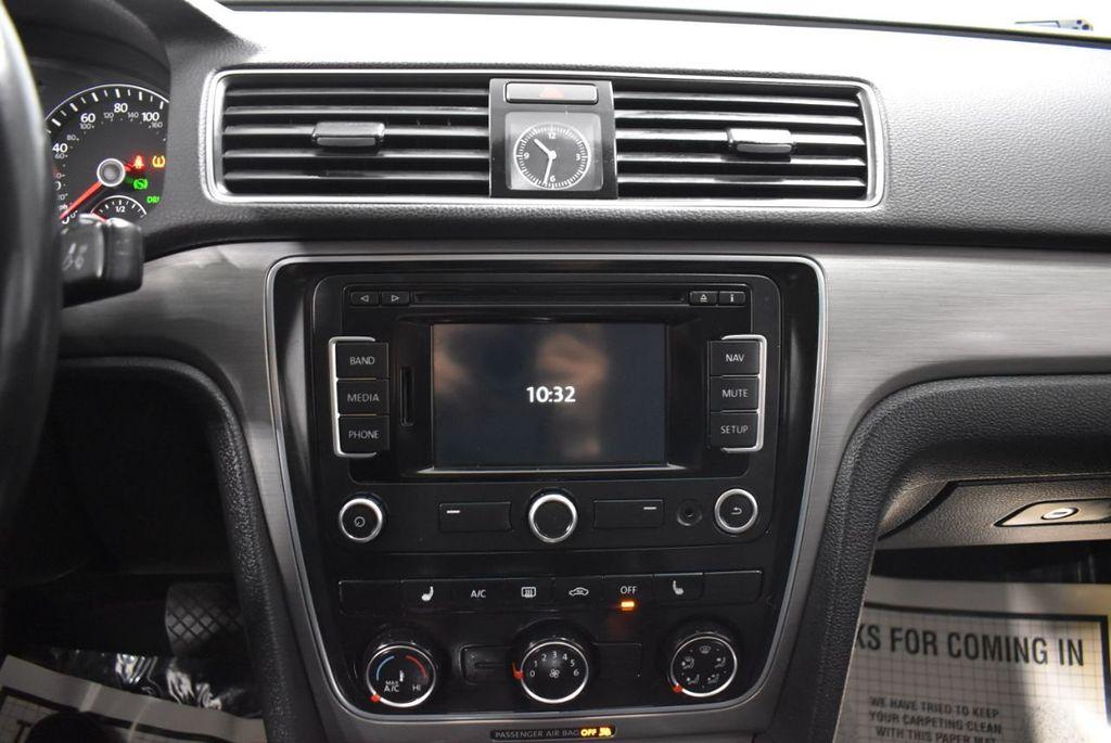 2015 Volkswagen Passat 1.8T SPORT - 18387278 - 22
