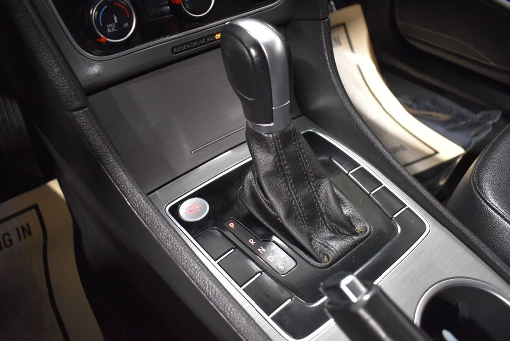 2015 Volkswagen Passat 1.8T SPORT - 18387278 - 23