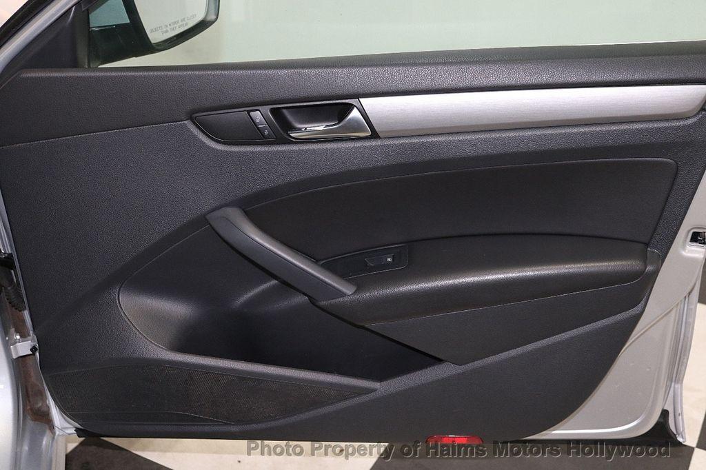 2015 Volkswagen Passat 4dr Sedan 1.8T Automatic SE - 18412376 - 12
