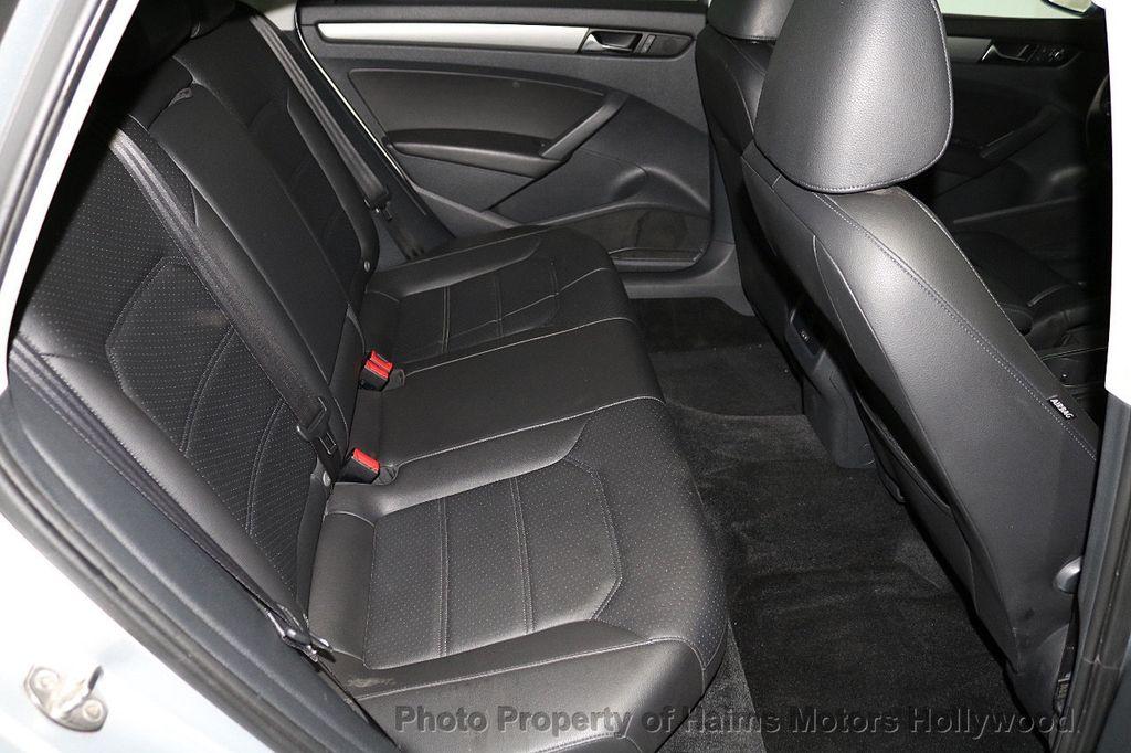 2015 Volkswagen Passat 4dr Sedan 1.8T Automatic SE - 18412376 - 14