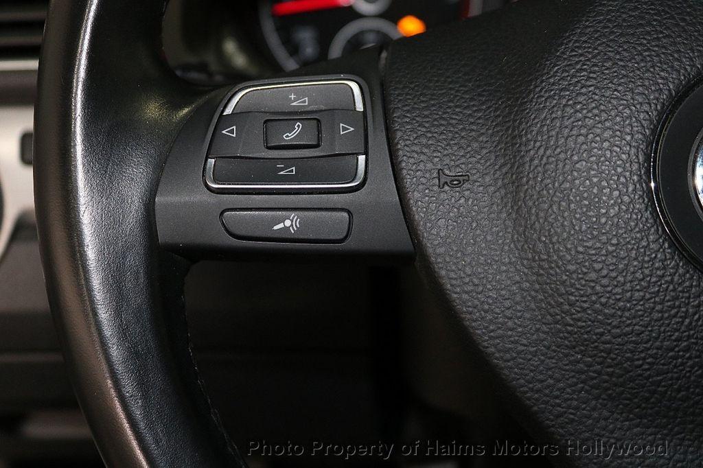2015 Volkswagen Passat 4dr Sedan 1.8T Automatic SE - 18412376 - 24