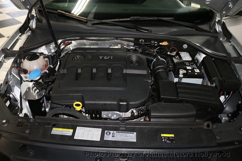 2015 Volkswagen Passat 4dr Sedan 1.8T Automatic SE - 18412376 - 32