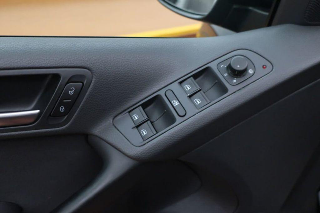2015 Volkswagen Tiguan S; SE; SEL; Wolfsburg Edition - 16640650 - 9