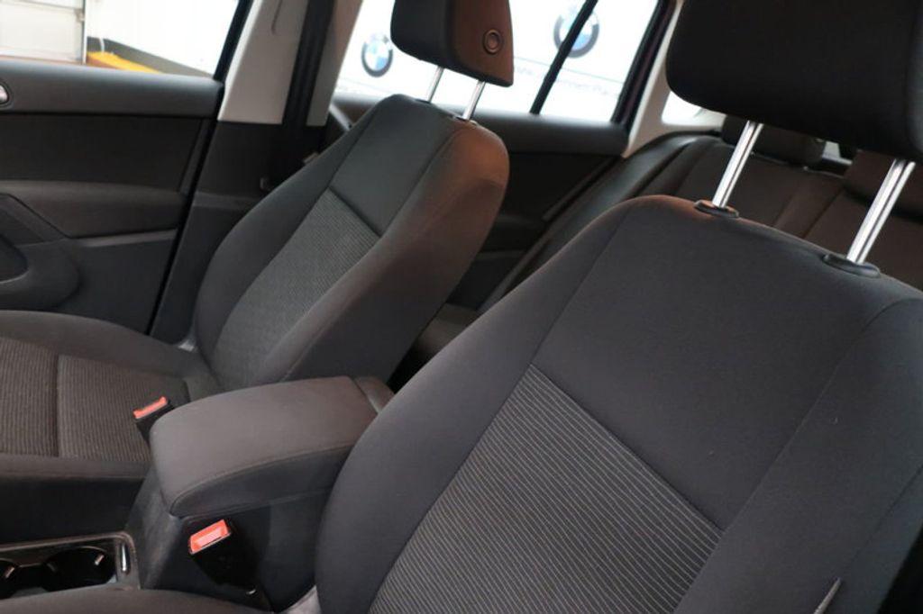 2015 Volkswagen Tiguan S; SE; SEL; Wolfsburg Edition - 16640650 - 12