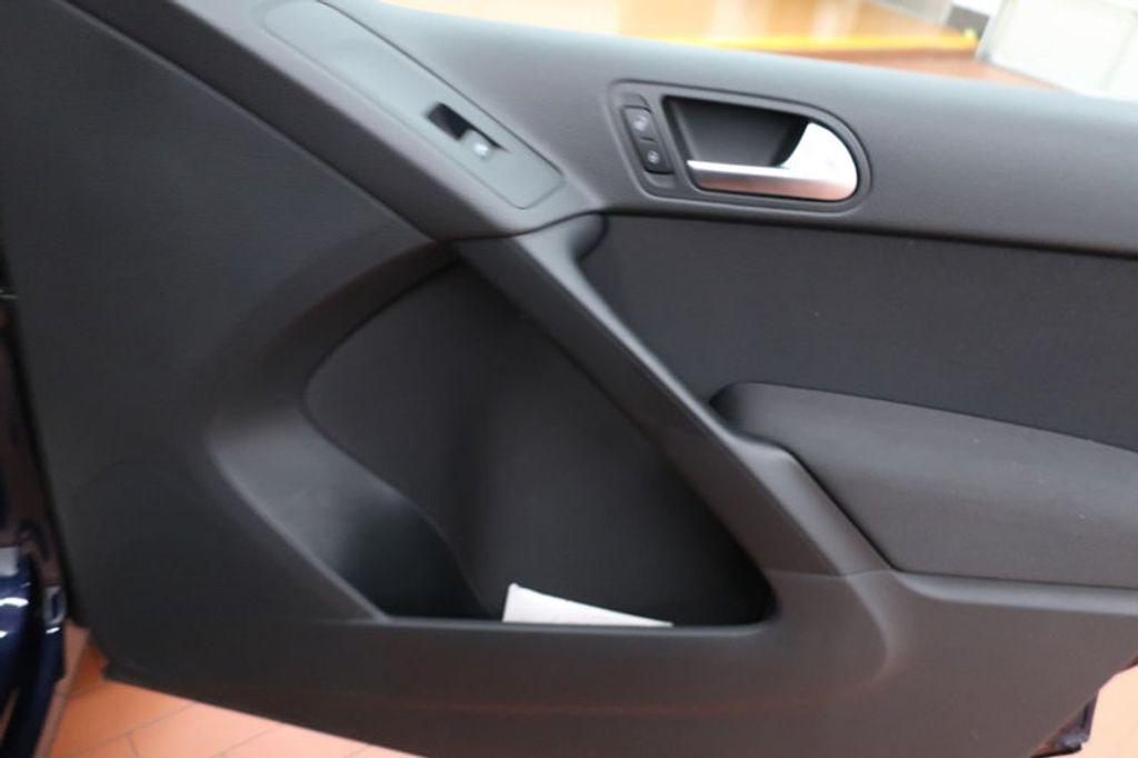 2015 Volkswagen Tiguan S; SE; SEL; Wolfsburg Edition - 16640650 - 20