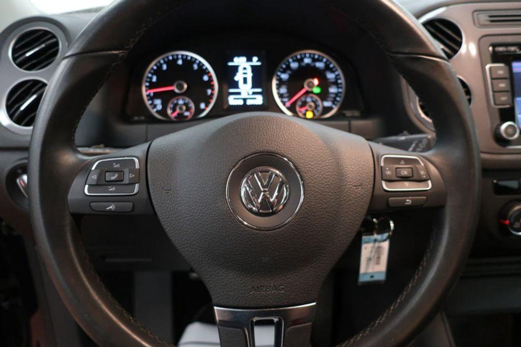 2015 Volkswagen Tiguan S; SE; SEL; Wolfsburg Edition - 16640650 - 32