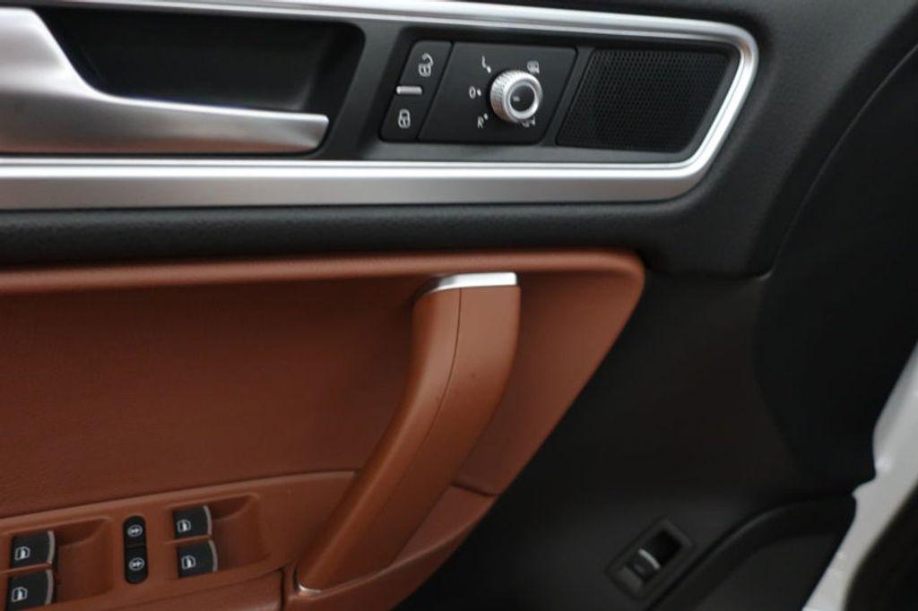 2015 Volkswagen Touareg 4dr V6 Lux - 17167639 - 12
