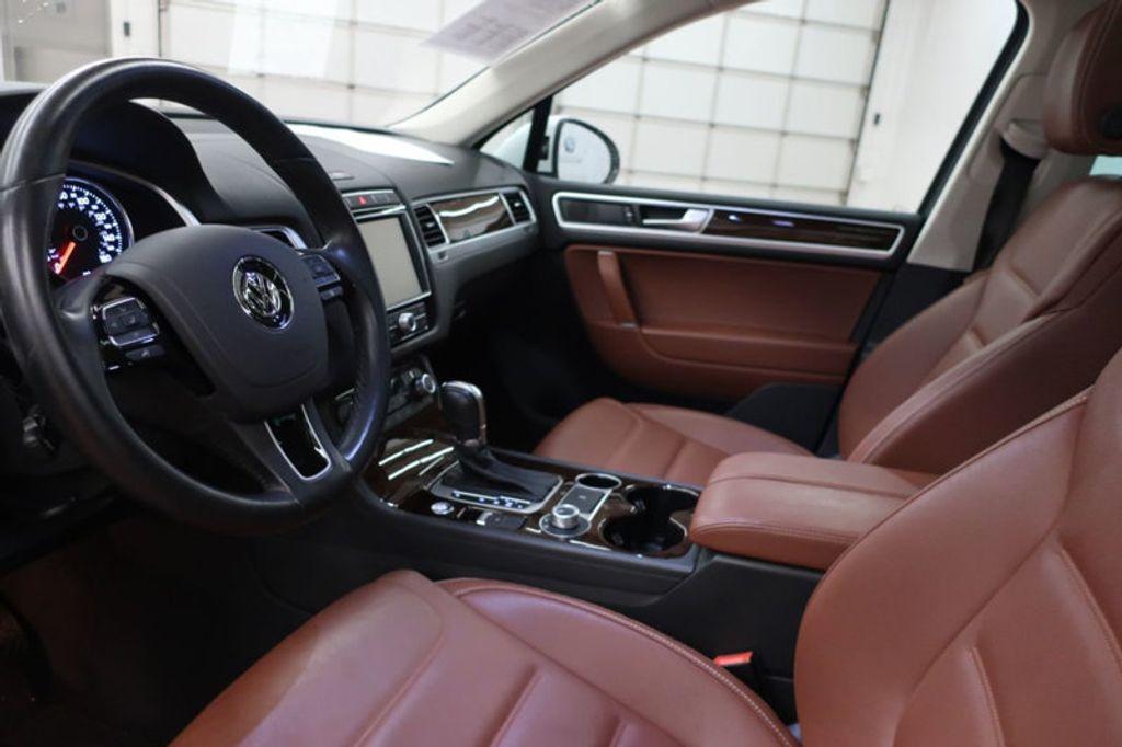 2015 Volkswagen Touareg 4dr V6 Lux - 17167639 - 13