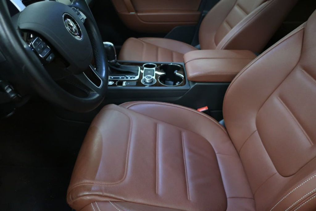 2015 Volkswagen Touareg 4dr V6 Lux - 17167639 - 14