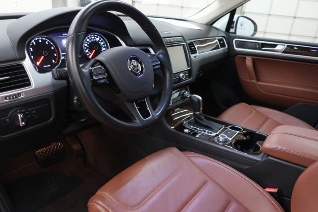 2015 Volkswagen Touareg 4dr V6 Lux - 17167639 - 19