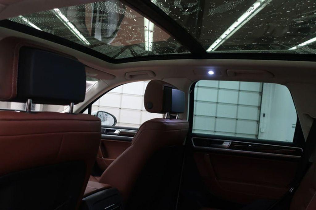 2015 Volkswagen Touareg 4dr V6 Lux - 17167639 - 22