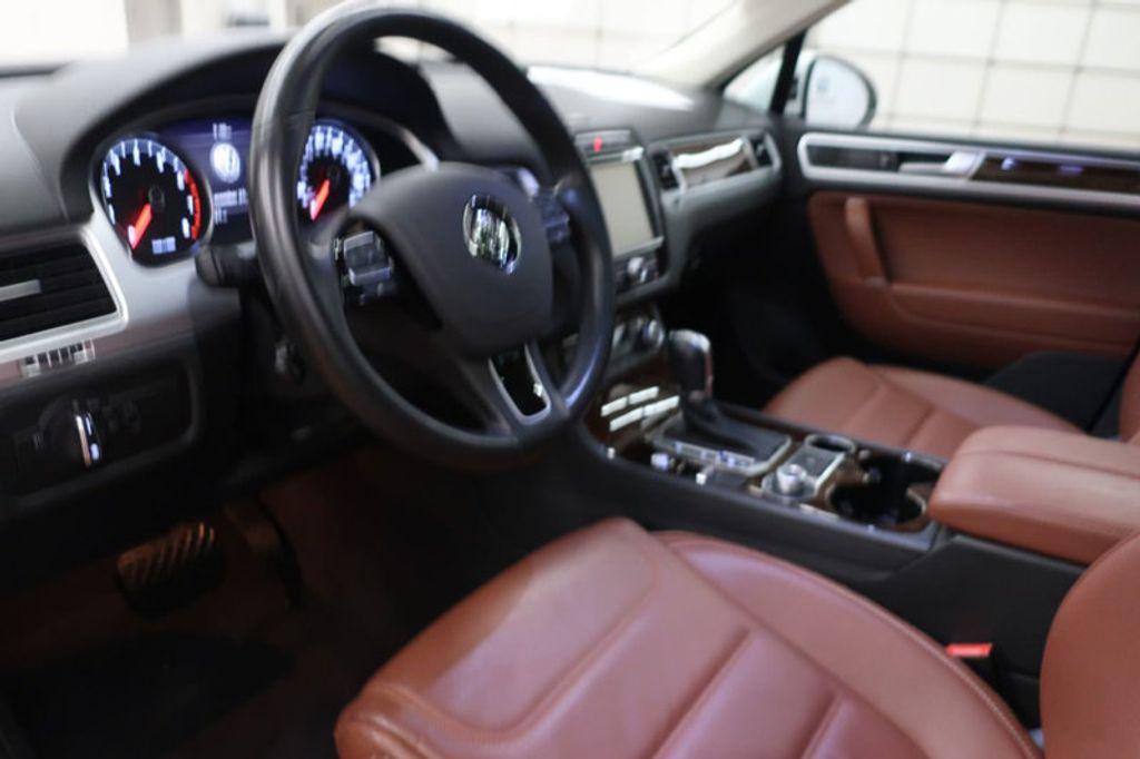 2015 Volkswagen Touareg 4dr V6 Lux - 17167639 - 26