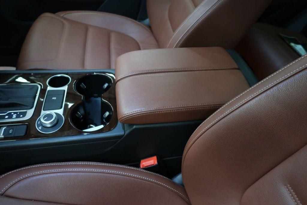 2015 Volkswagen Touareg 4dr V6 Lux - 17167639 - 30