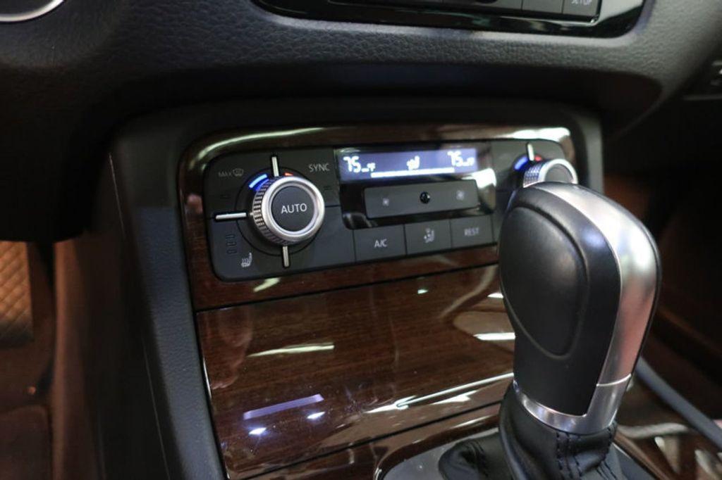 2015 Volkswagen Touareg 4dr V6 Lux - 17167639 - 37