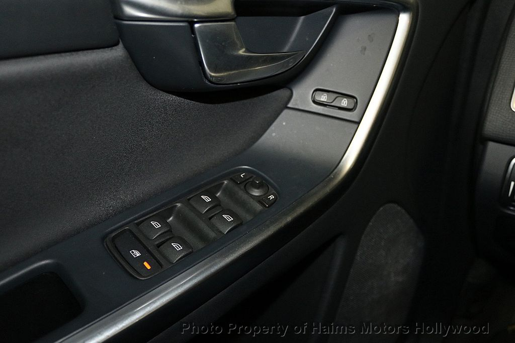 2015 Volvo XC60 2015.5 AWD 4dr T5 - 17724943 - 23