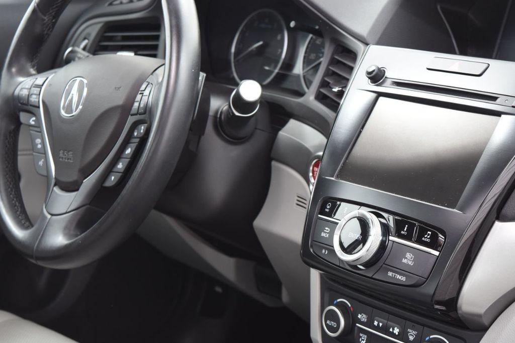 2016 Acura ILX 4dr Sedan w/Technology Plus Pkg - 18253568 - 39