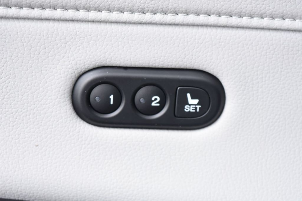 2016 Acura ILX 4dr Sedan w/Technology Plus Pkg - 18253568 - 43